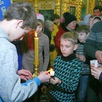 Свет Рождества  Христова — из рук в руки в каждый дом!
