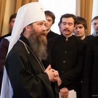 Воспитанники Томской  духовной семинарии поздравили владыку-ректора с праздником Рождества Христова
