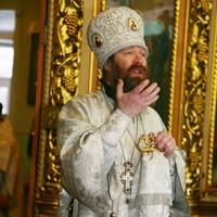 Митрополит Ростислав совершил Божественную литургию в Свято-Троицкой церкви Томска