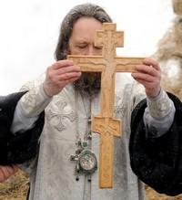 Митрополит Ростислав совершил освящение воды на Белом озере