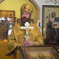 Митрополит Ростислав совершил Божественную литургию в с.Александровском