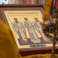 Митрополит Ростислав совершил Литургию на греческом языке в Трехсвятительском храме Богородице-Алексиевского монастыря