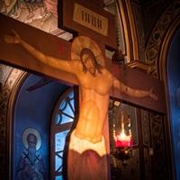 «Днесь висит на древе, Иже на водах землю повесивый...»