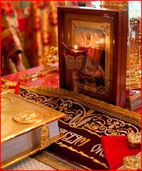 Митрополит Ростислав совершил   Пасхальную   великую   вечерню  в Богоявленском соборе
