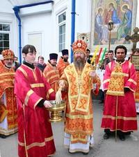 В Светлую среду митрополит Ростислав совершил Литургию в Троицком храме Томска