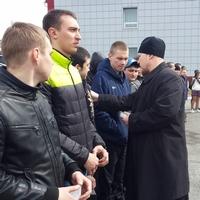 Священник напутствовал первых призывников 2015 года