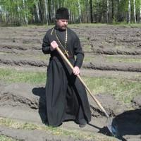 Священник принял участие в акции «Лес Победы» в Первомайском районе