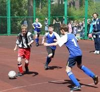 Воскресенской церковью организован товарищеский футбольный матч между подопечными средними школами