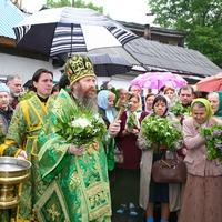 Митрополит Ростислав возглавил праздничное богослужение в Свято-Троицкой церкви