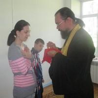 Мамы пациентов детского реабилитационного центра смогли впервые приступить к церковным таинствам
