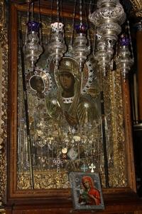 Икона «Троеручица» – благословение земного удела Богоматери