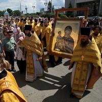 Крестный ход с иконой Божией Матери «Троеручица» прошел по улицам Томска