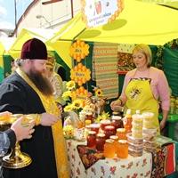 В Томске прошла ярмарка «Медовый спас»