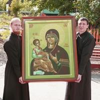 Икона Божией Матери «Троеручица» посетила Свято-Троцкую церковь г.Томска