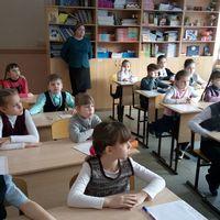Учащиеся младших классов посостязались в знании русских сказок и былин