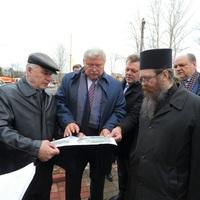 Губернатор поддержал идею строительства паломнического центра возле памятника старцу Феодору