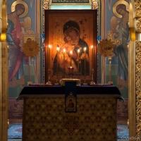 Митрополит Ростислав возглавил утреню Субботы Акафиста в кафедральном соборе Томска