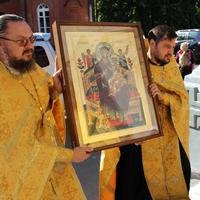 Икона Божией Матери «Всецарица» принесена в Петропавловский собор
