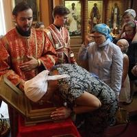 В Свято-Троицкую церковь принесены мощи  святых великомучеников Димитрия Солунского и Георгия Победоносца