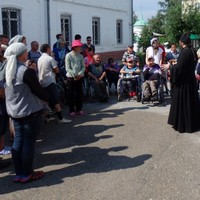 В Богородице-Алексиевском монастыре состоялась экскурсия для лиц с ограниченными возможностями