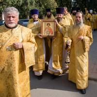 Архиереи Томской митрополии совершили Литургию в томском храме Александра Невского