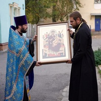 Икона Божией Матери «Всецарица» принесена в храм преподобного Серафима Саровского г. Северска