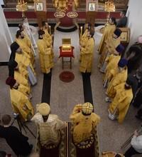Архиереи Томской митрополии возглавили Божественную литургию в Вознесенском кафедральном соборе Колпашево