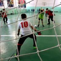 Почти сто юниоров стали участниками соревнований по мини-футболу