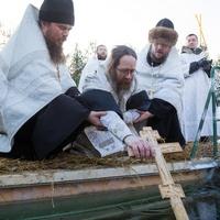 В Томске духовенство храмов города совершило Крестный ход на иордань