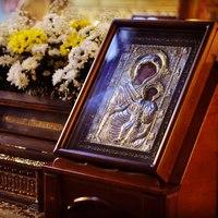 Митрополит Ростислав совершил Всенощное бдение в Богоявленском соборе