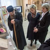 Митрополит Томский и Асиновский Ростислав посетил музей г. Северска