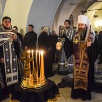 Митрополит Ростислав совершил заупокойную литию в память о жертвах теракта в Санкт-Петербургском метрополитене