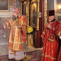 В Светлый понедельник митрополит Ростислав совершил Литургию в Петропавловском соборе Томска
