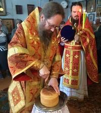Митрополит Ростислав совершил пасхальную Литургию в посёлке Самусь