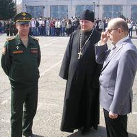 Священник благословил первых призывников 2017 года в Томске