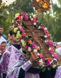 Распятие с частицей Креста Господня пронесли по улицам Томска (фото)