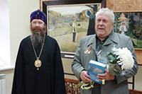 Митрополит Ростислав поздравил старосту храма Сергия Радонежского с 80-летием