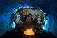 На территории храмов открывают Рождественские вертепы