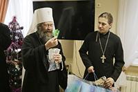 Митрополит Ростислав посетил с Рождественским приветствием Томский областной онкодиспансер