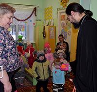 Прихожане томских храмов подарили Рождественскую радость обездоленным, сиротам и инвалидам