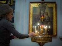 В храме Александра Невского отслужили молебен о благополучных родах