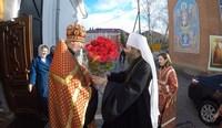 Митрополит Ростислав совершил Пасхальную службу в Знаменском храме.