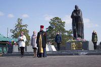 Жители сёл Томской области почтили память павших воинов