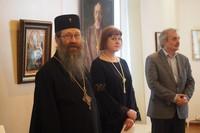 Митрополит Ростислав принял участие в открытии выставки «Крестный путь»