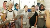 Участники детской площадки исполнили песнопения Божественной литургии.