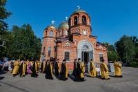 Митрополит Ростислав возглавил богослужения в престольный праздник Петропавловского собора