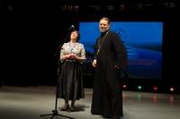 Патриаршую награду вручили в Томске руководителю студии «Русские забавы».