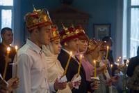Массовое венчание прошло в Знаменском храме.