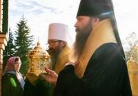 В Колпашево к 5-летию епархии принесены мощи святых первоверховных апостолов Петра и Павла.