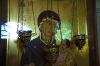 Митрополит Ростислав возглавил богослужения в день празднования Иверской иконы Божией Матери